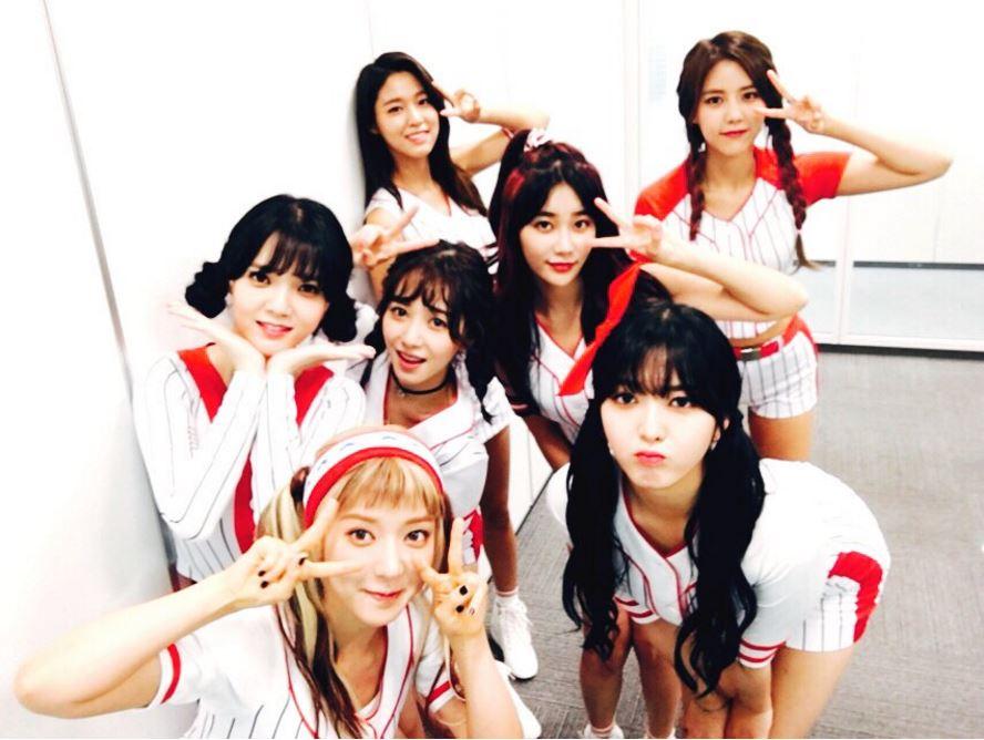 髮型師在想什麼啊!!!(晃肩) 好啦…只能說這次AOA在日本活動,雖然偶爾有驚人之舉,但成員們的髮型確實是比在韓國時多變,也算是順應日系愛萌萌造型的民情啦!