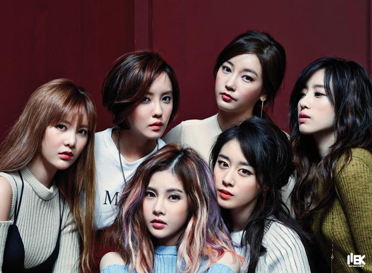 隔了一年多再次回歸韓國樂壇的T-ARA也表示了自己的決心 不會輕易退團也不會解約 希望大家能給他們一個新的開始和機會