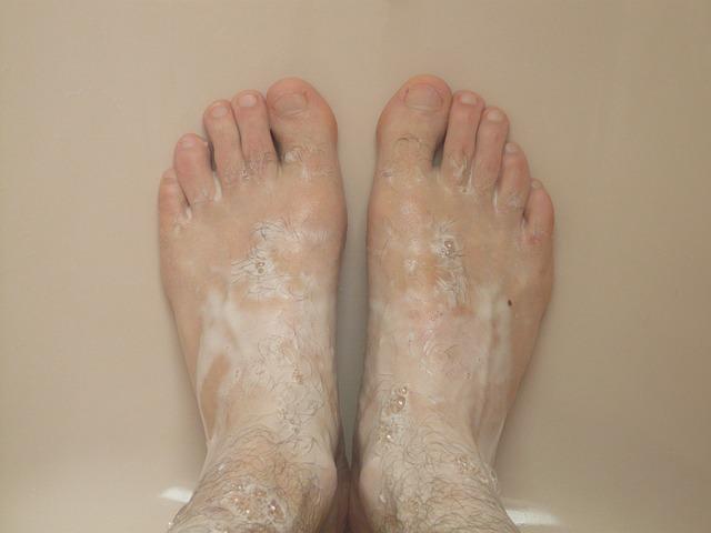 4. 先洗腳:  很堅強、有自信,但有時太過堅持自我,反而被誤解、失去他人信賴