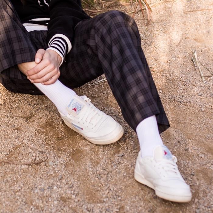 像是韓妞很喜歡在長褲裡面搭長襪 穿起來就很適合