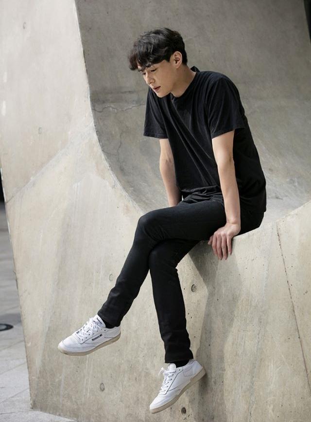 男生穿也超級好看 簡約的設計不分男女款都百搭啊 (偷偷說,當情侶鞋也可以吧~~~)