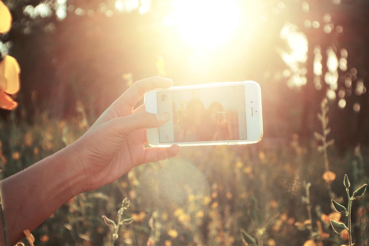 另外還發現,比較多女生在玩Instagram 有62.7%女性使用IG 男性只有39.1%的人有玩