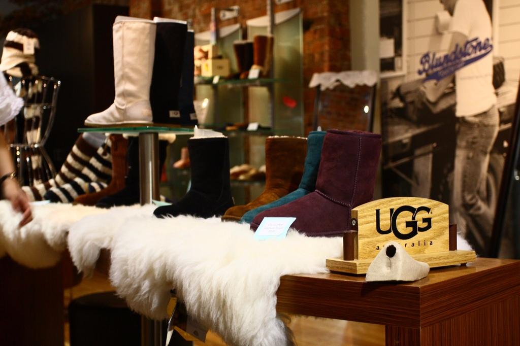 說到雨鞋大家第一個想到的品牌是Hunter 說到雪靴大家第一個想到的品牌是UGG吧?