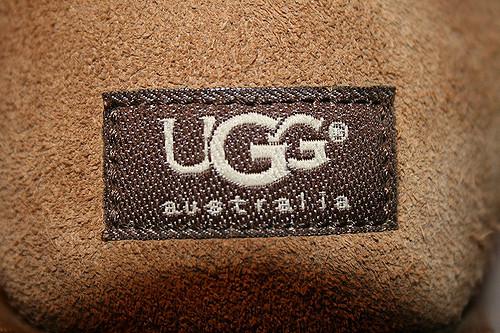 但其實UGG雪靴的製作過程是有很多爭議的!