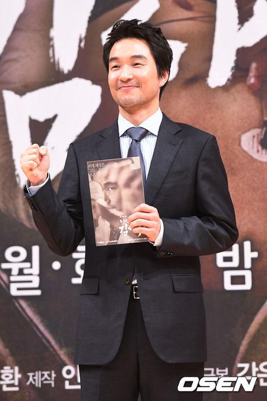 ✿TOP 6 - 韓石圭 電視劇:SBS《浪漫醫生金師傅》 ➔上升20個名次