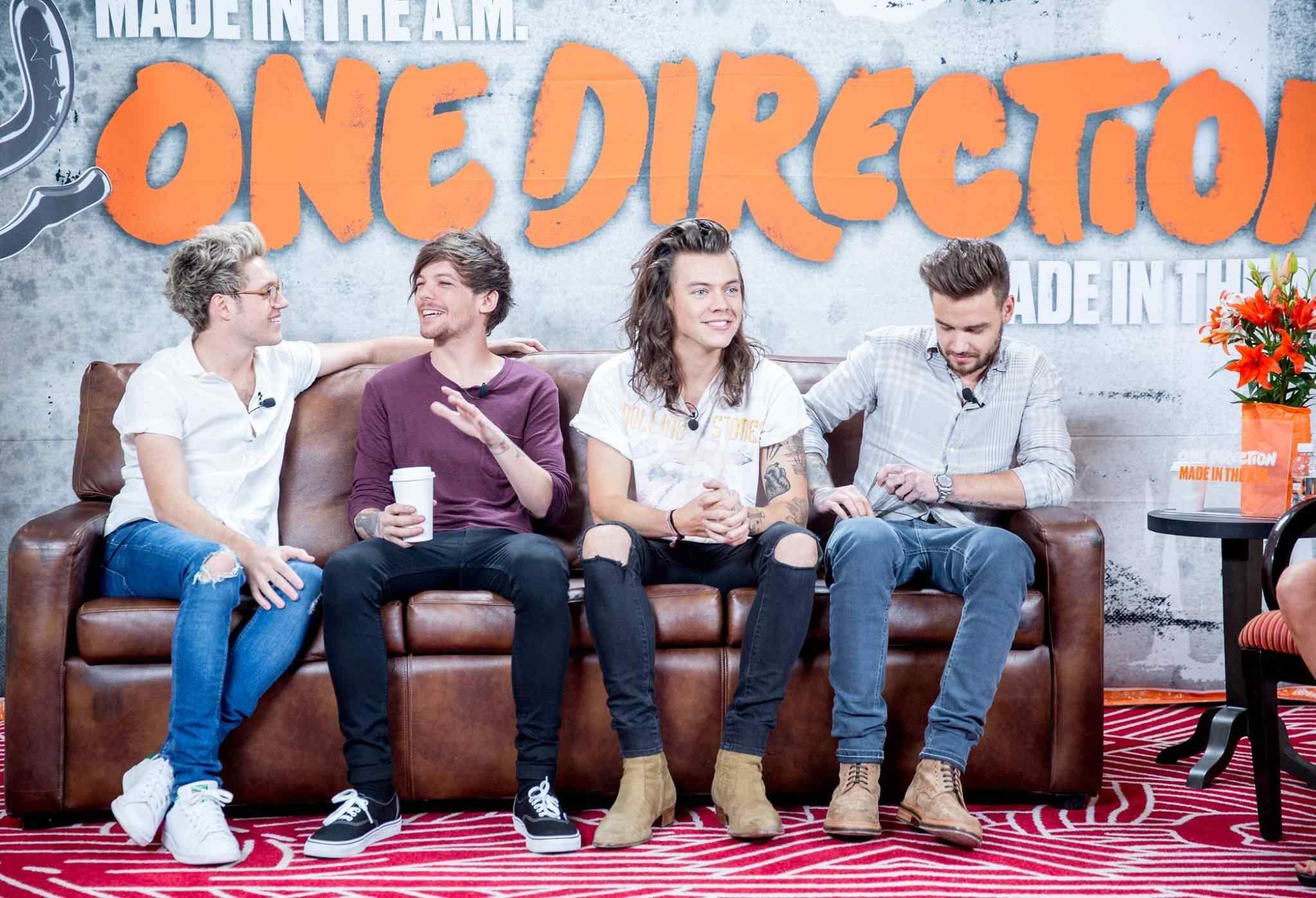 #2 One Direction 110百萬美元 22-24歲 全世界最賺男子團體:一世代(拍手) 雖然團員贊恩在2015年3月離團,而他們也在2016年初展開為期18個月的休假,但是他們2015年的《青春再前進 On the Road Again》世界巡迴演唱會可是賺滿200百萬美元以上。