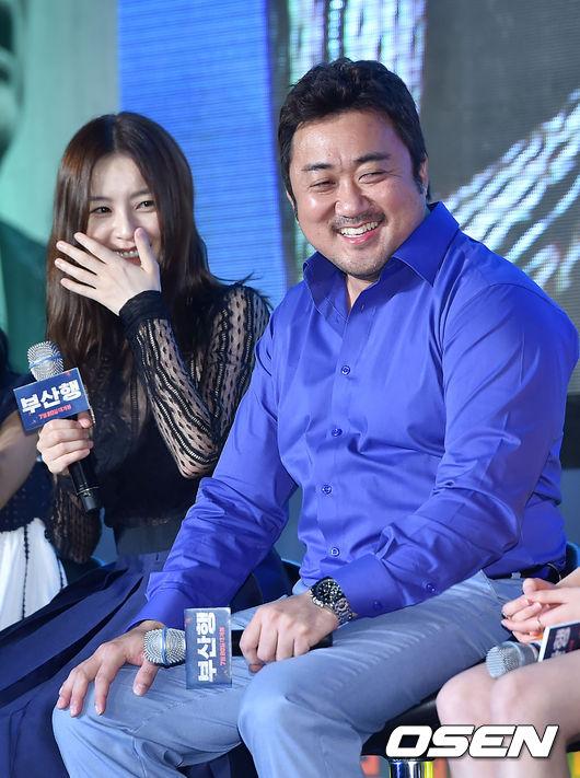 會踏進演藝圈更因為是不少知名藝人的健身教練才開始踏入演藝之旅,一口流利英語更讓好萊塢片商在眾多大牌韓星中相中他,極有可能成為下一位韓流明星打進好萊塢的例子。