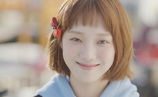 之後又轉戰演員,出演了多部熱播的韓劇《沒關係,是愛情啊》、 《女王之花》、《奶酪陷阱》、《Doctors》、 最近更在《舉重妖精金福珠》中首次擔起女主重任。