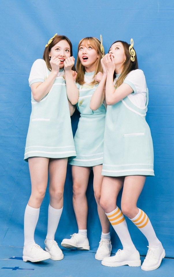 韓國男女偶像眾多,每一位不論顏值還是身材,都好得不可思議(笑)然而在這麼多的偶像當中,韓國網友選出了10位具有「國家代表級美貌」的女團成員!一起來看看你/妳心目中的女神有沒有上榜吧!(以下順序不代表名次)