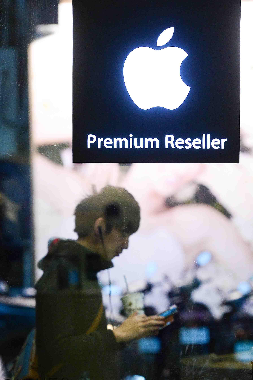 不過蘋果表示會提供相關檢測服務  如果技術人員確認符合資格  就能免費更換電池