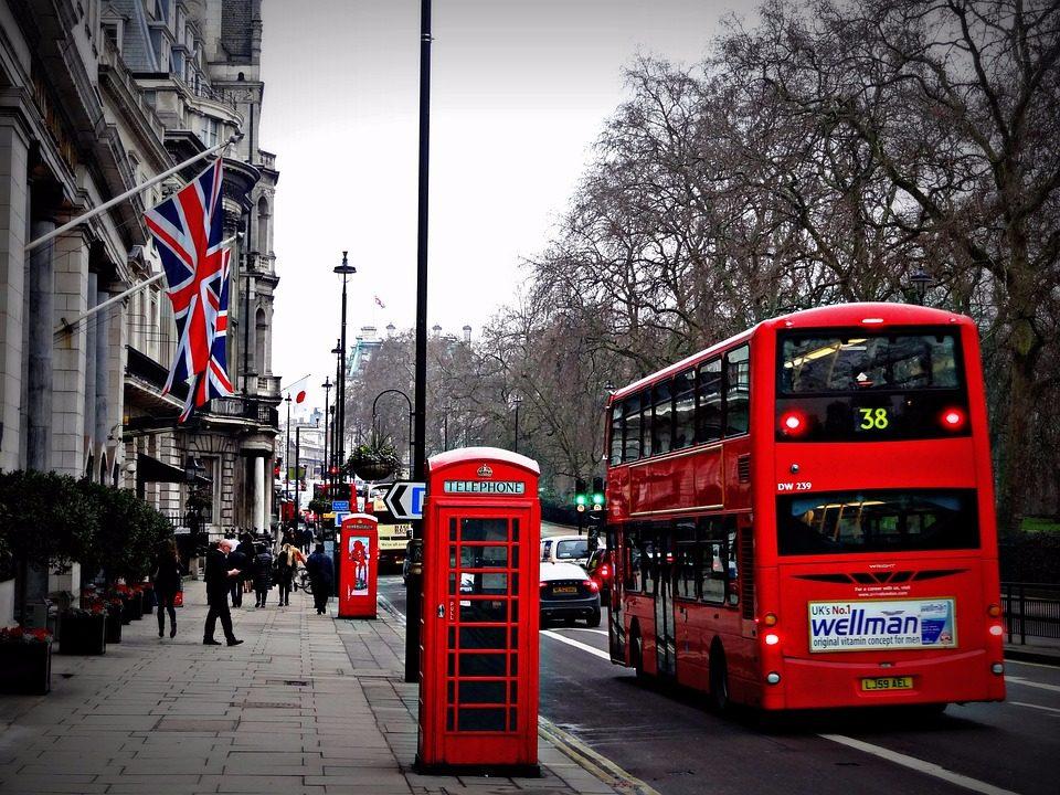 #10芬蘭 36% #9英國(倫敦) 36% 在擁有3千7百萬會員的全球最大已(ㄊㄡ)婚(ㄑㄧㄥˊ)交友網站Ashley Madison遭駭後,使用者個資外漏,進而發現英國,尤其是首都倫敦的註冊會員多達18萬。