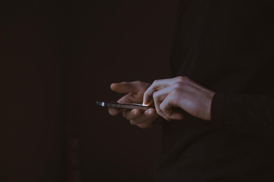 看完這個報導,也覺得難怪這麼多人想偷看伴侶手機 現在的app或交友網站也太可怕了嗚嗚嗚