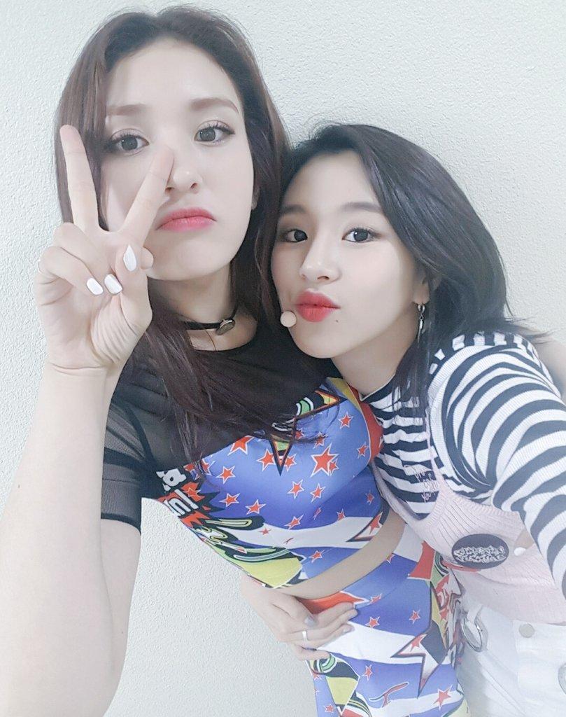 先來說說隊中知名度比較高的成員吧!首先是Somi,先前因為已經參加過JYP的女子組合選拔節目《SIXTEEN》,當時就已經累積了不少人氣…