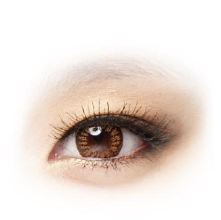 自然變色款- 加美 由女神郭雪芙代言的加美,是偽少女一直都有在戴的牌子,尤其是日拋款式,有許多顏色可選擇,雖然直徑約為14.0mm,但是戴起來不會過於突兀。偽少女特別推薦棕色款式,不管是日常妝容還是濃妝,都很好駕馭。