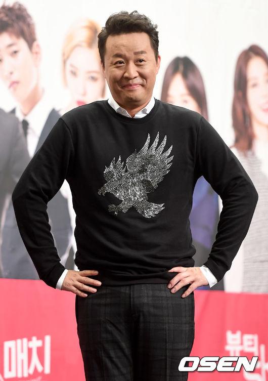 28日,韓國搞笑藝人鄭埻夏出演了JTBC《拜託了冰箱》, 節目上鄭埻夏表示「 因為我做了有10年的美食節目, 覺得自己如果不了解美食不行,所以去上了4年的料理課。」