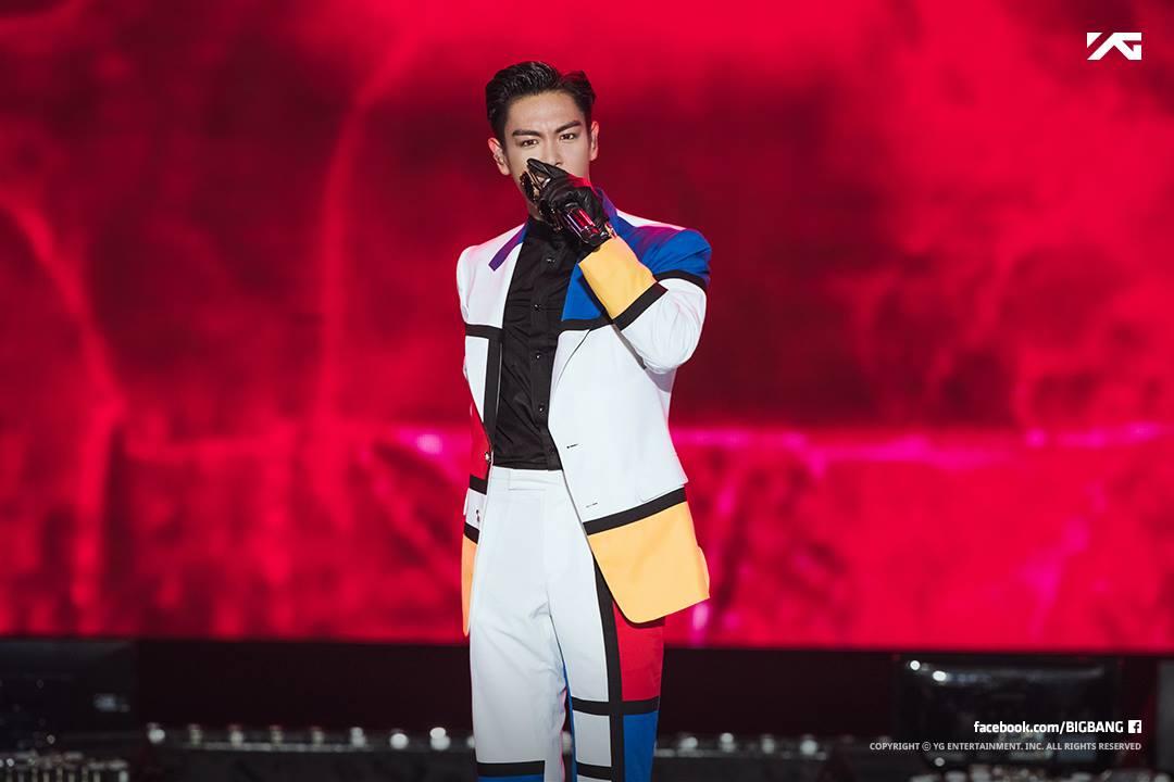 雖然偶像抽菸的畫面可能對部份粉絲來說還是帶來不小的衝擊,不過BIGBANG的粉絲卻很尊重成員們各人的選擇。只有在先前T.O.P因隨手丟菸蒂造成爭議時,希望T.O.P注意行動,並且希望T.O.P可以注重健康之外,沒有太激烈的反應。(果然粉絲群年紀大是有好處的)