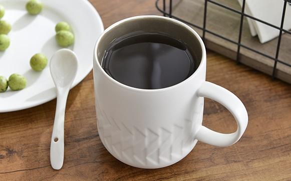 #馬克杯 雖然馬克杯很實用,但是我們也只有一張嘴巴,家裡放太多馬克杯也是會很困擾欸!
