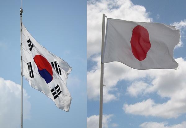 日韓2國幾乎是亞洲地區偶像的主導國。J-POP在約8、10年前,幾乎可以說是亞洲偶像文化的主流;K-POP則不用多說,不論音樂、時尚或流行領域都佔據領導地位。 不同於歐美或臺灣,日本、韓國比較類似一種「明星夢工廠」。