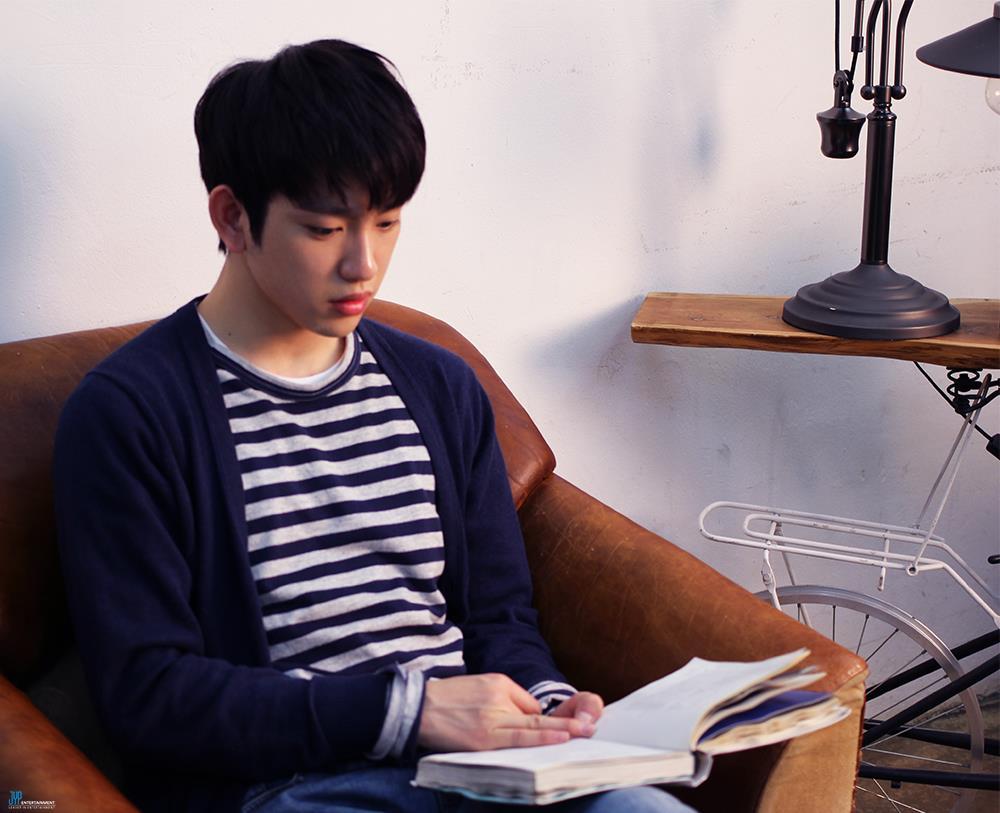 跟GOT 7的Jin Young最原始的出道名字一樣XD 寫作Jr.、讀作Junior,也可以叫做小傑尼斯