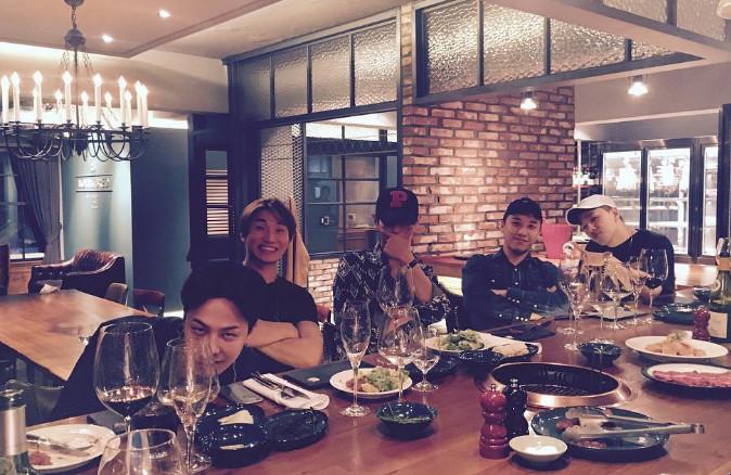 此次出演《無挑》也是BIGBANG在2011年「首爾黑幫」特輯之後, 時隔5年再次全體出演,節目組目前也正在考慮要以怎樣形式的特輯進行。