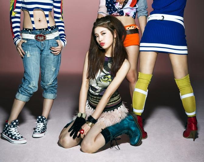 這張專輯概念照是miss A同年發行第二張單曲專輯《Step Up》時的照片,是不是真的和現在長一樣?!!真的好好奇秀智到底怎麼保養的…六年期間完全沒變啊!