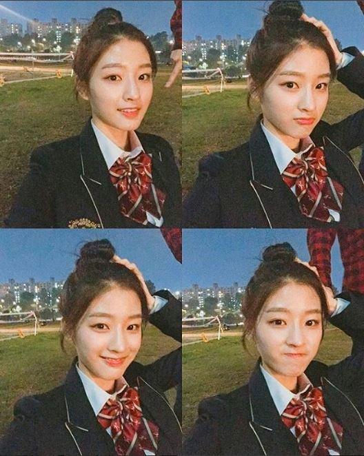 而且如果看她的IG上這身熟悉的制服,不少粉絲應該很快就認出了這是韓國「偶像搖籃」,藝高兩大名校之一的翰林藝高的制服了吧!