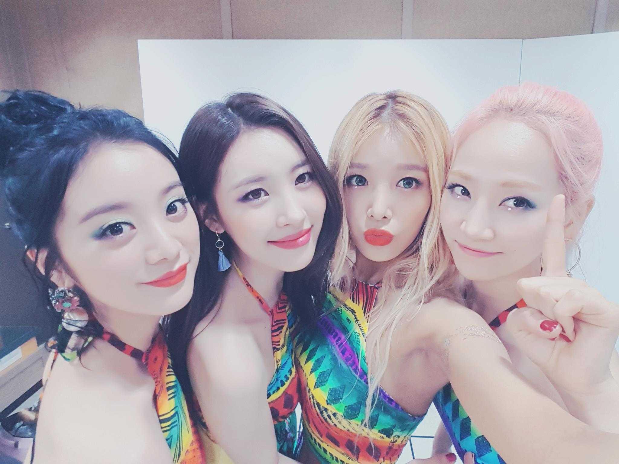 接著是另兩團的巧合 Wonder Girls在2007年得了