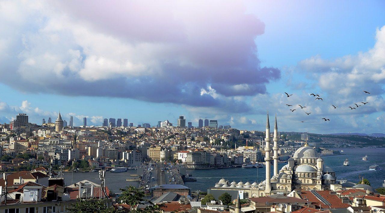 9.伊斯坦堡(土耳其) 看到這景象,讓我想到即刻救援XDDD