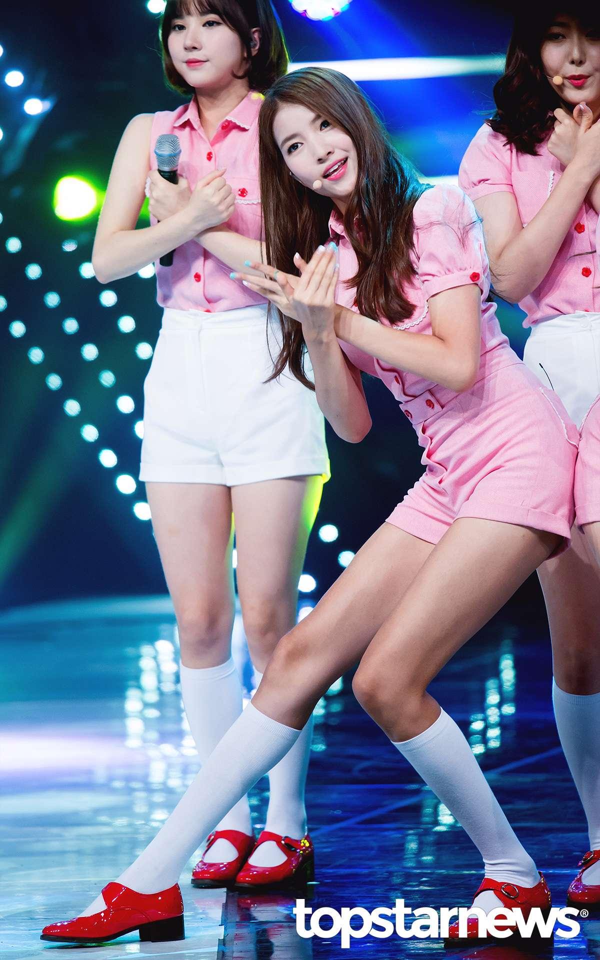 對啦~她就是隊長Sowon!!!