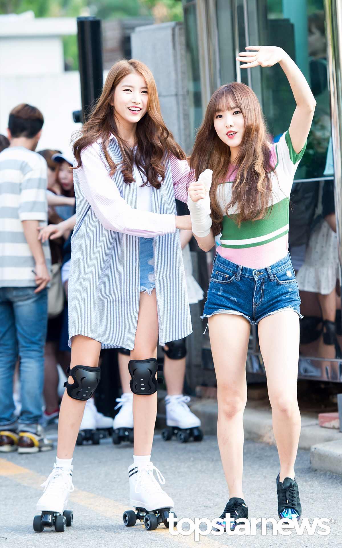 小編覺得Yuju已經夠瘦了, 但跟Sowon站一起卻明顯要胖很多。 Sowon根本就是鳥仔腳啊!