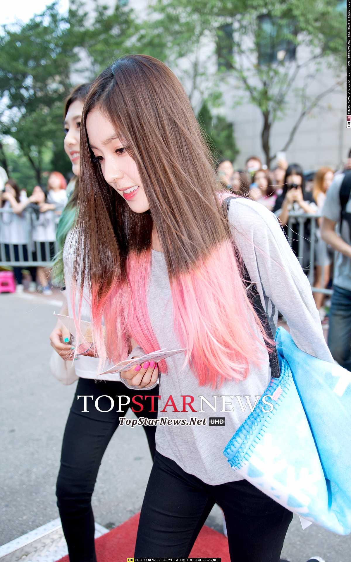 Red Velvet 的隊長 Irene 有個小習慣,粉絲們有沒有發現啊~