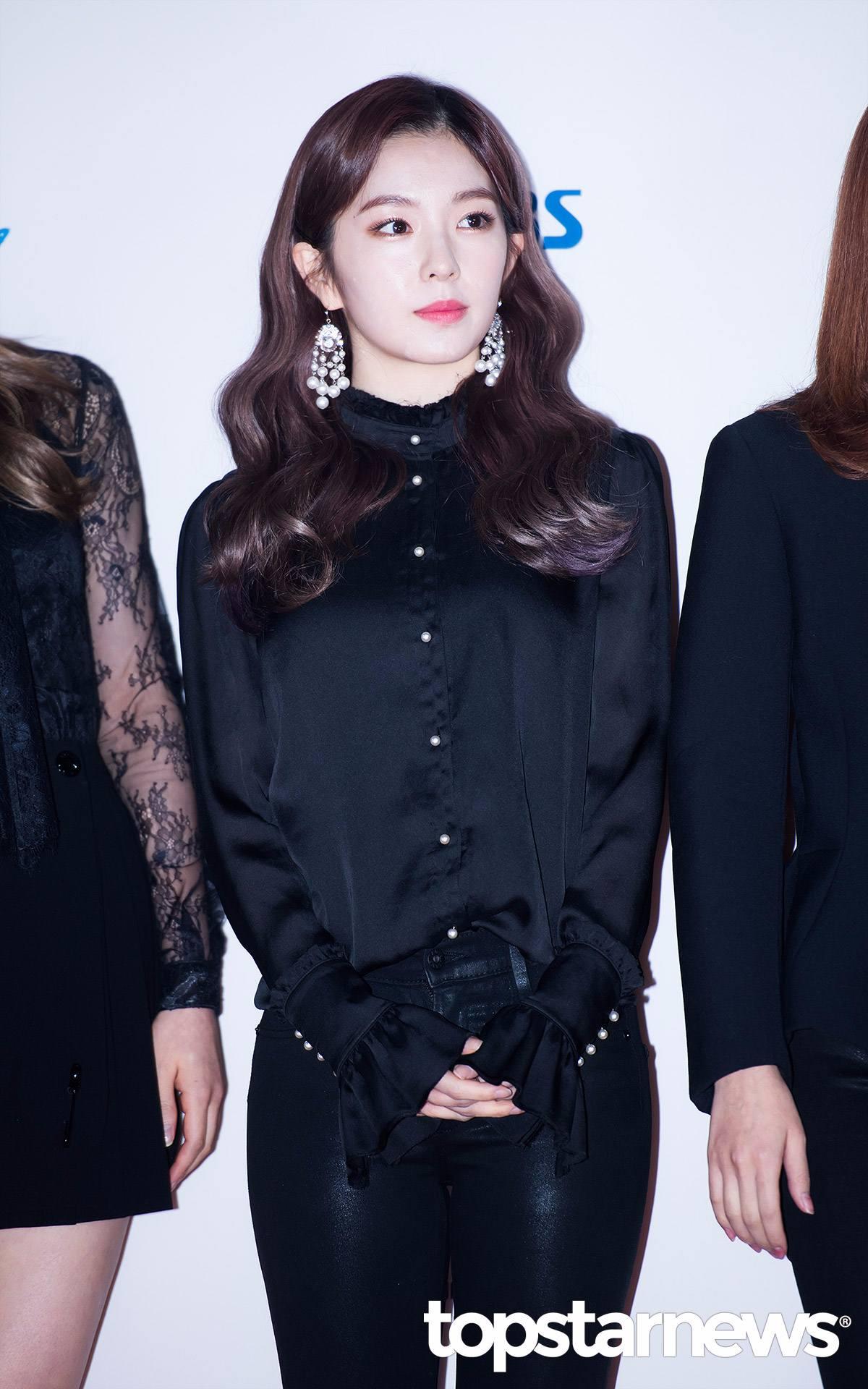 因為在《Radio Star》上的「態度事件」, 再加上被毒舌MC金九拉說成是「有氣無力的來賓 」, 讓Irene最近在韓國陷入爭議。