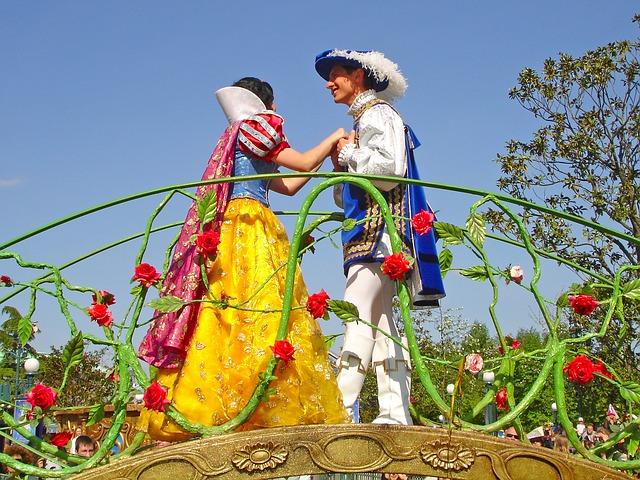 還以為去迪士尼約會很浪漫嗎?