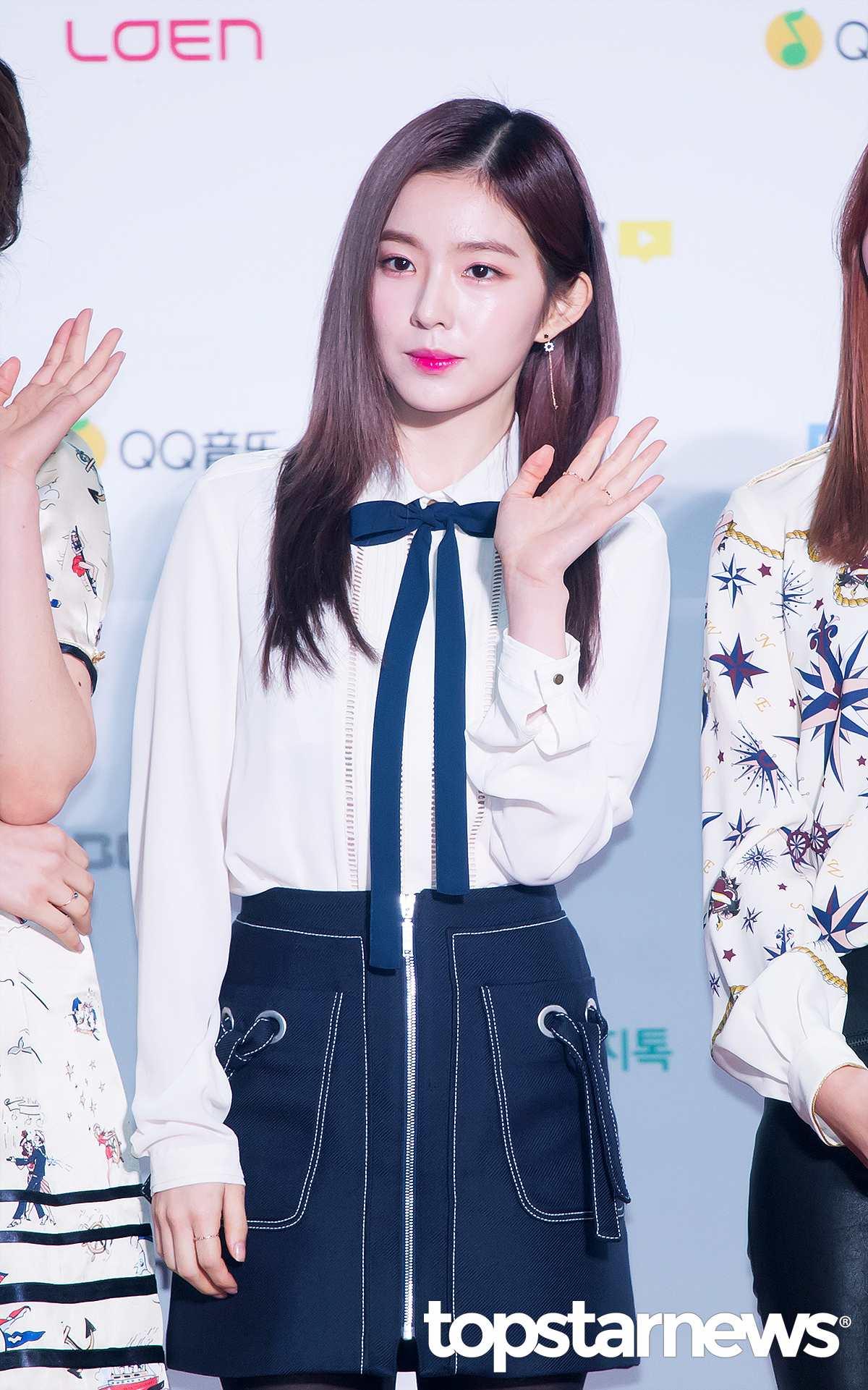 雖然粉絲們一直都非常理解Irene內向的性格,并替Irene抱屈。 不過《兩個男人秀》之後,也讓之前質疑Irene的大部分網友改觀。