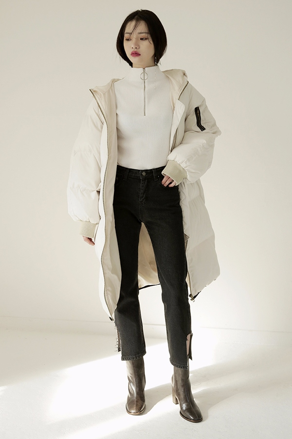 當然..怕冷,不願挨凍的妞還會準備至少一件羽絨外套