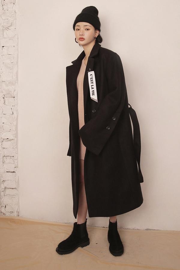 不過..出鏡率最高的肯定是大衣啦^^  無論是韓系風格的闊版大衣,