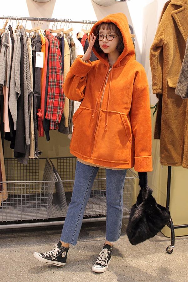 不同風格、不同材質的大衣我們最好都備上,這樣凹起造型來也比較有說服力XDDD