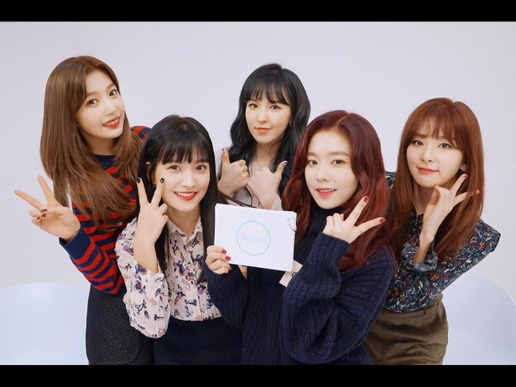 V app 粉絲數 GFRIEND  46萬 MAMAMOO  83萬 Red Velvet  使用SM帳號 TWICE  148萬 IOI          44萬 BLACK PINK  73萬