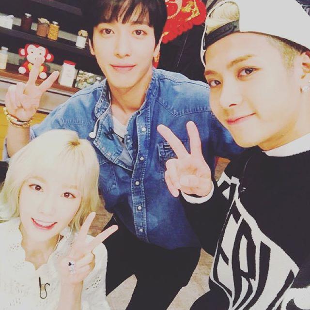 精通各種語言的Jackson也主持了中國版的< 拜託了 冰箱 >,這集和少女時代太妍.CNBLUE鄭容和的互動也超有趣的,太妍的反應超可愛的~
