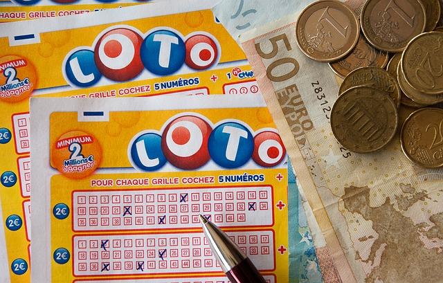 台灣彩券表示,容易中獎的人幾乎都是每期購買  每次購買金額約100-500元左右  而且通常都是隨意選號