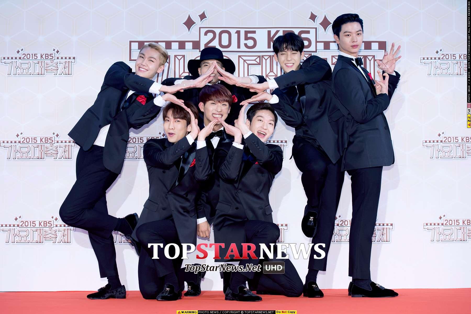 而去年在KBS歌謠大慶典上百的是一顆大星星 (星材每次都在旁邊擔任圖形角色XDD)  2015.12.30 KBS歌謠大慶典