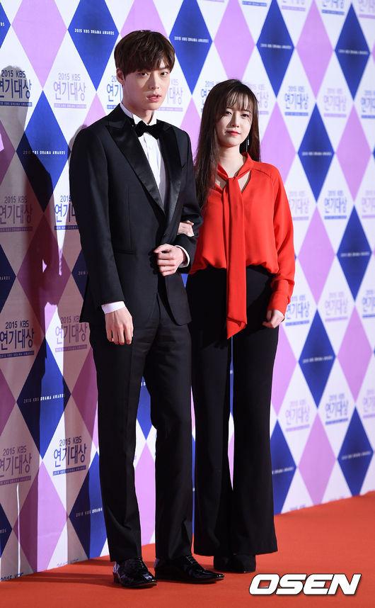 兩人將一起出演「花樣系列」、「一日三餐系列」的羅PD的新綜藝節目《新婚日記》! 展現甜甜蜜蜜的新婚生活~盡情放閃!! (為什麼要這樣對我們這些單身人士呢?ㅠㅠ )