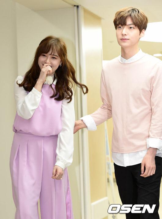 而《新婚日記》將在明年 2月3日晚 9點20分於tvN撥出。 PIKI的粉絲是不是很期待呢??(小編要全程戴墨鏡觀看!)