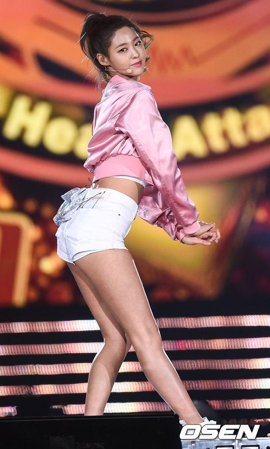 ✽ AOA 雪炫 雪炫的身材跟顏值好到連女生都會淪陷啊ㅠㅠ如果能夠有機會讓我以雪炫的身分活一天該有多好ㅠㅠㅠ