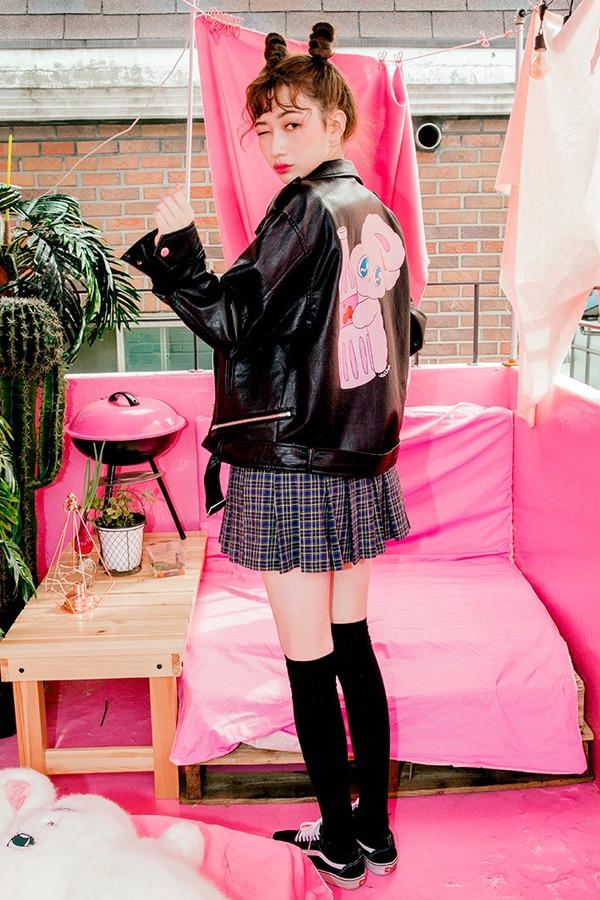 ♯  黑色皮衣: 想要與眾不同?想要耍酷?那選擇黑色皮衣肯定沒有錯!