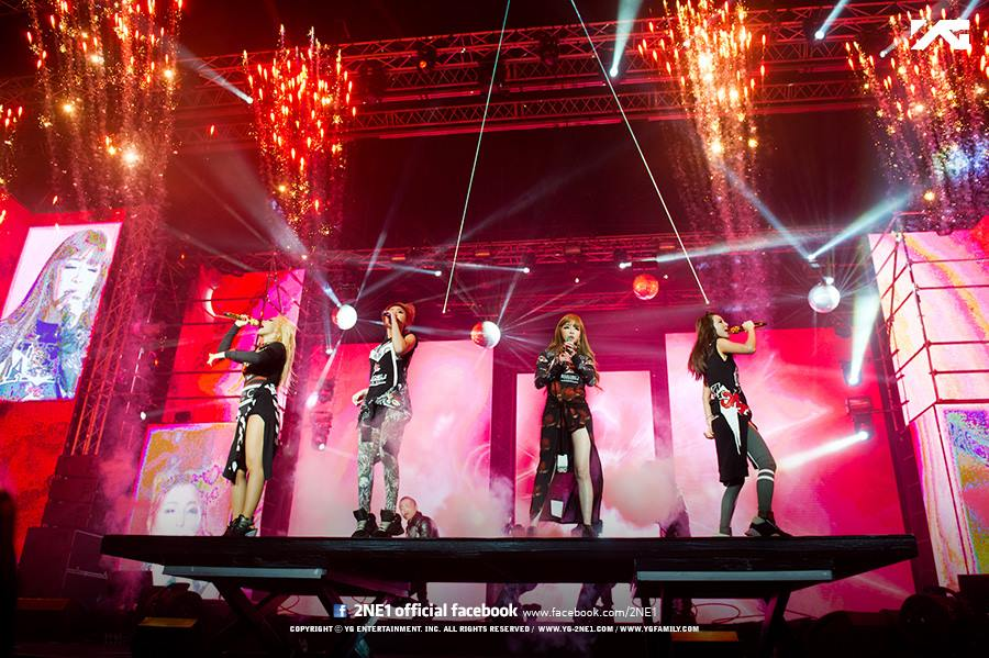 不過就在昨天,竟然傳出了現在已解散的2NE1即將在發行單曲,好好向粉絲說「再見」的消息。因為是在2NE1解散後才宣佈發行單曲,也讓不少粉絲在高興之餘感到訝異