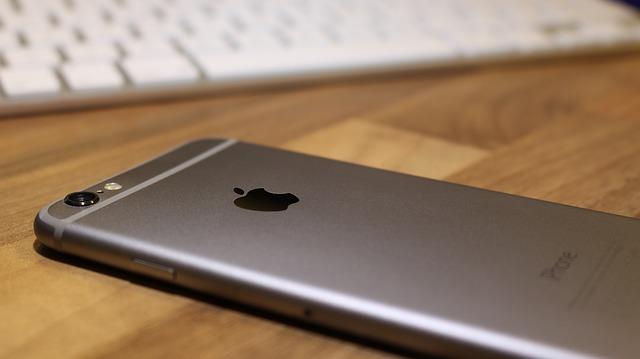 而是iPhone 6!  (光是iPhone 6的市佔率就有17.02%)