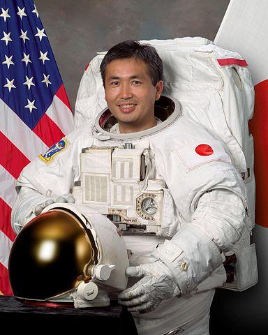 而且就連日本太空人若田光一要去太空探險  也有把麵包罐頭帶去當保存食物的樣本噢(✪ω✪)