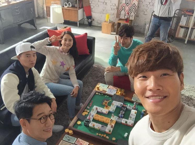 新任的SBS綜藝節目部的部長南勝容(남승용,音譯)是解決這次事件的最大功臣。成員們在經過真誠的協商之後決定六人再度攜手走下去!