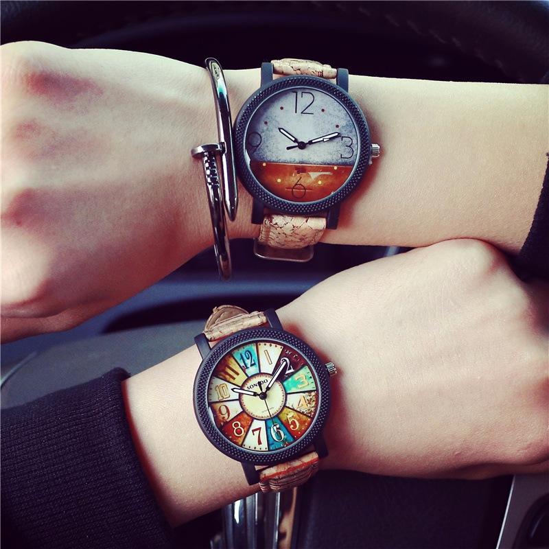 不一定要相同款式,相同系列的手錶也是很受歡迎的。